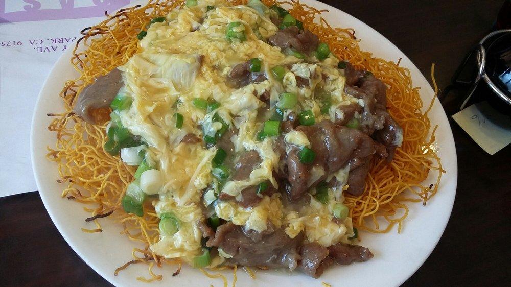 牛肉雞蛋炒麵