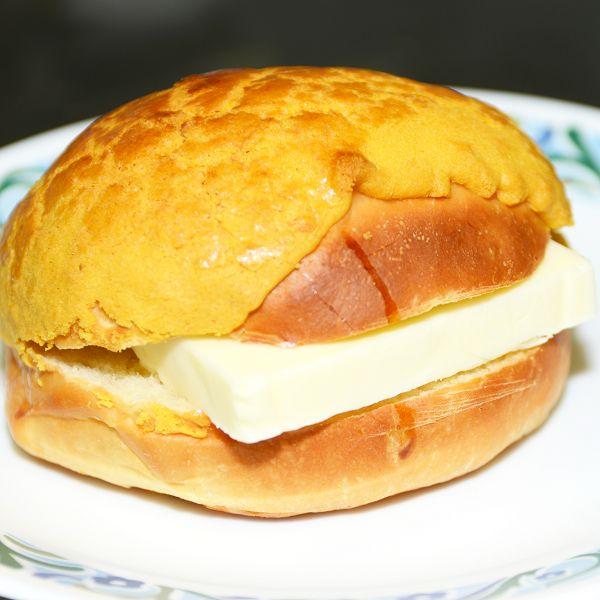 11 港式菠蘿油 HK Style Butter Bun