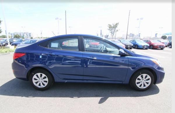 10 2017 Hyundai Accent SE Sedan 拷貝