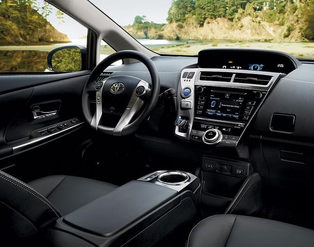 2017-Toyota-Prius-Interior1