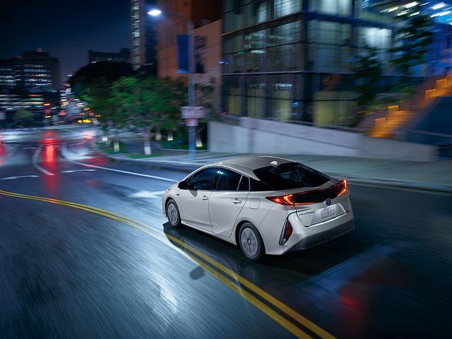 2017-Toyota-Prius2