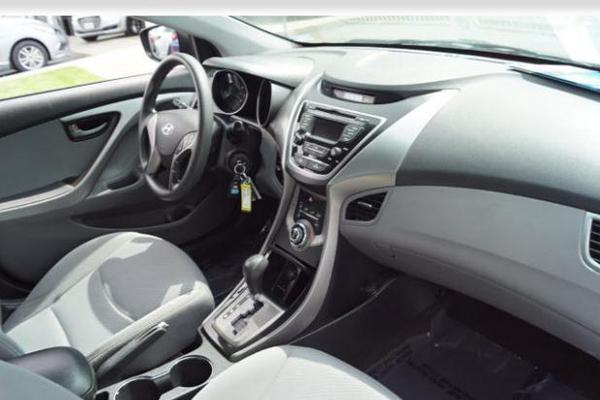 6 2013 Hyundai Elantra Sedan