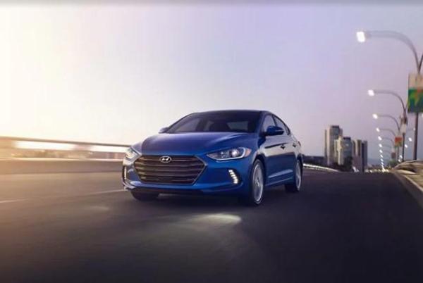 8 2017 Hyundai Elantra Limited wPZEV Sedan